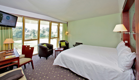 Chambre de la suite côté lac